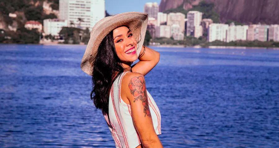 Fernanda Destefane, produtora executiva posa para ensaio fotográfico