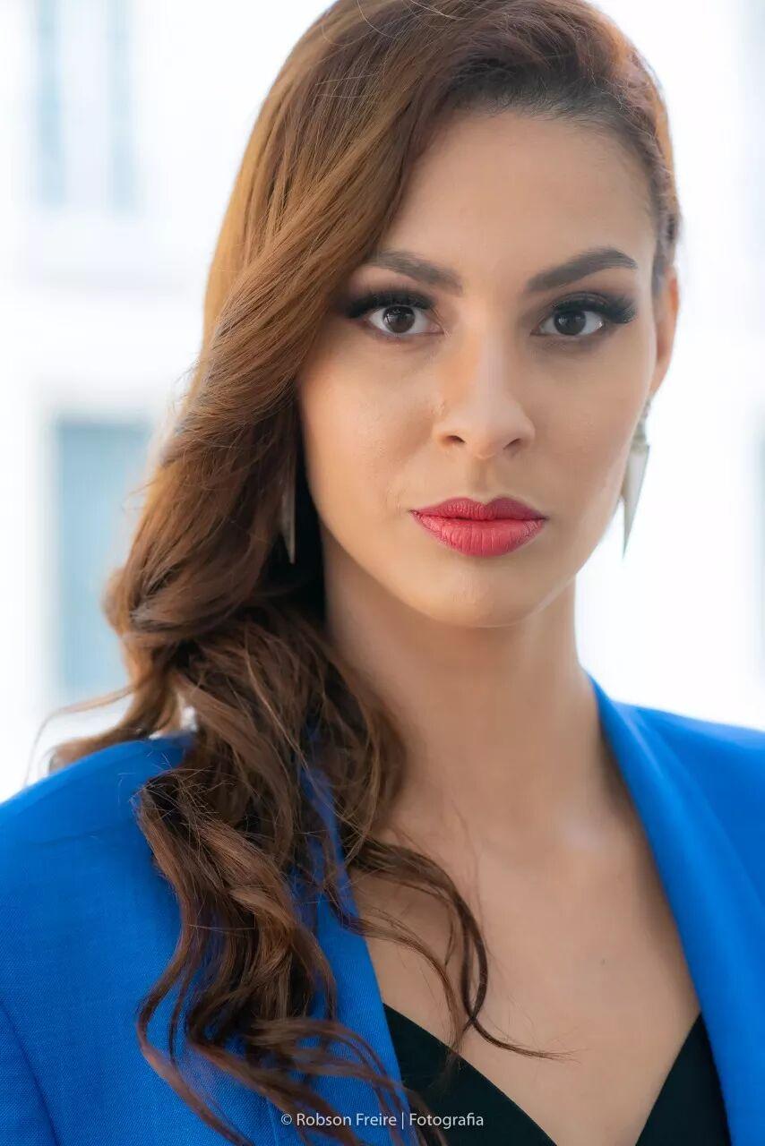 FLÁVIA BRUNHOSA, influencer e modelo